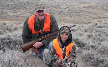 HUNTING COULEE MULIES