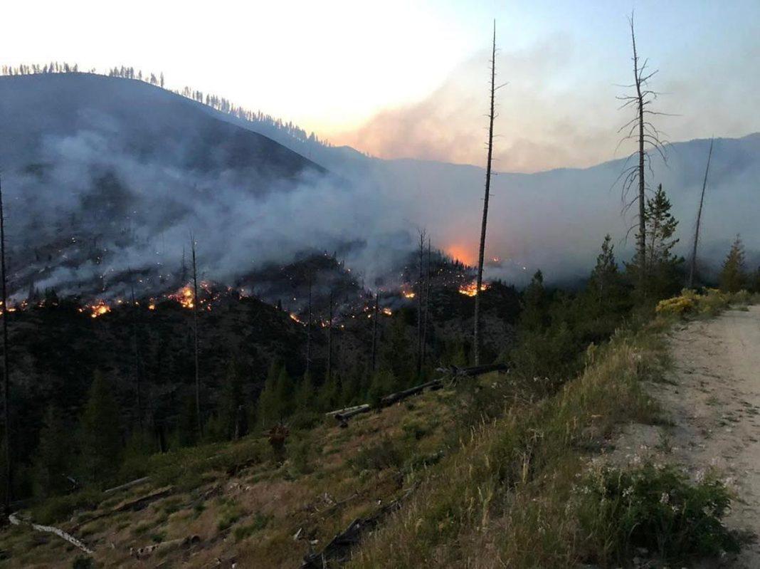 BOUNDARY FIRE CAUSES LAND CLOSURES